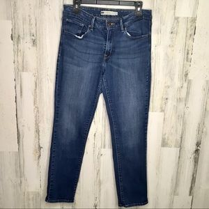 Levi Mid Rise Skinny Jeans